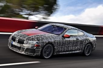 Versenypályán edz a világpremierre a BMW 8-as kupé