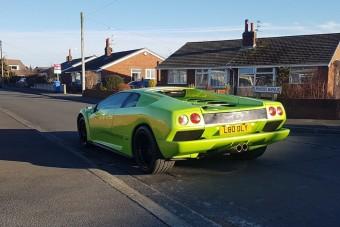 Hihetetlen, de ez a Lamborghini otthon készült