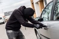 Visszavitték a tolvajok az autót egy cetlivel a szélvédőn 2