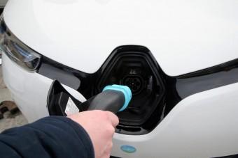 A Mol megnyitotta Bukarestben első elektromos autótöltőjét
