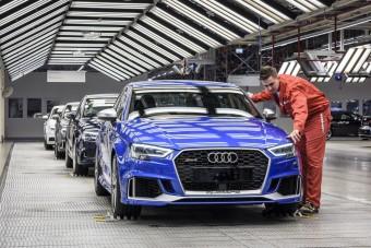 Villanymotorokkal folytatja a 25 éves győri Audi