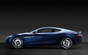 Daniel Craig eladja a neki gyártott Bond-autóját