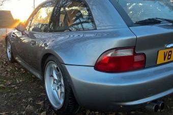 Meglepő motor került ebbe a Z3-as BMW-be