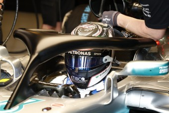 F1: Vezetés közben sem zavaró a glória
