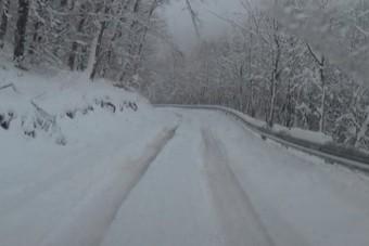 Három bükkszenti hős mentett ki egy családot a hó fogságából