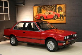 Igazi időkapszula ez a piros E30-as BMW