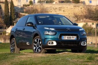 Újra jönnek a ringatózó, überkomfortos Citroënek