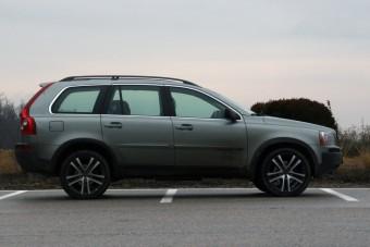 Meseautó, használtan - Luxus V8, hárommillióból