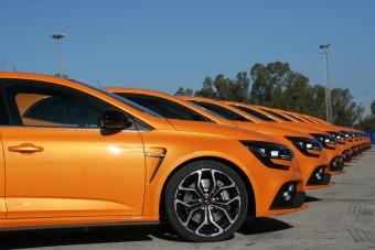 Mi közös a Kispolskiban és a Renault Mégane RS-ben?