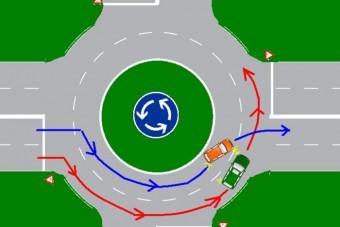 A félelmetes több sávos körforgalomban így lesz baleset, ki hibázott?