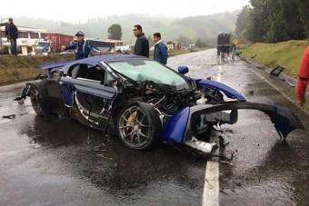 Sportkocsik okoztak balesetet Kolumbiában