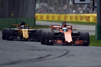 F1: A McLarentől is tart a Mercedes
