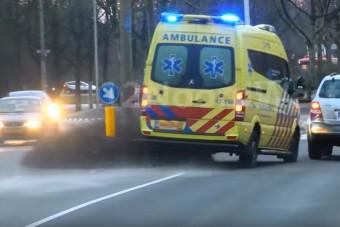 Leszorítottak az útról egy szirénázó mentőt, videó is van az esetről