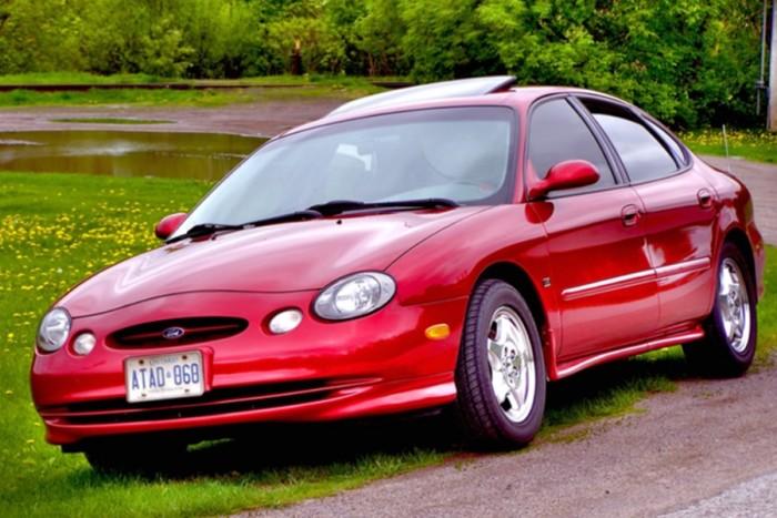 6 autó, amiben keresztben van a V8-as 3