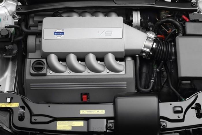 6 autó, amiben keresztben van a V8-as 6