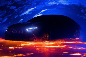 A tüzes mennyországból érkezik a Mercedes négyajtós szupersportkocsija