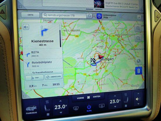 Részletes térképadatok valós közlekedési helyzetjelentésekkel