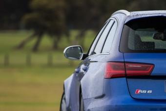 Megint lehet szupersportos Audi szedán