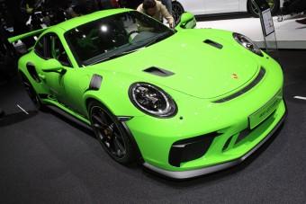 Késről szikére váltott a Porsche