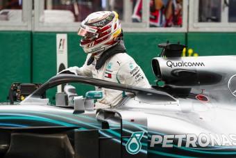 F1: Hamilton dobja a sisakfestését?