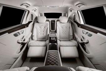 Nincs ma elnökibb Mercedes az S650 Pullmannál