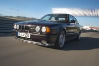 Erősebb lett az M5-ös BMW a bevallottnál 2