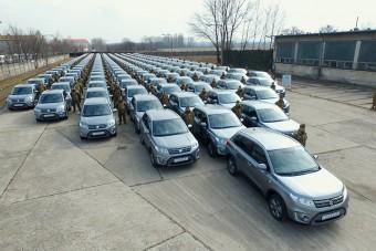 Suzukiba ülnek a magyar katonák