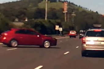 Újabb példa arra, hogy miért nem jó ötlet megfordulni az autópályán
