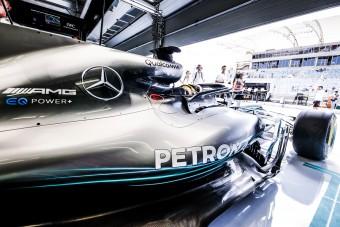 F1: A Mercedesnél nem gondolnak Ricciardóra