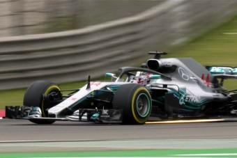 F1: Hamiltoné az első edzés Kínában