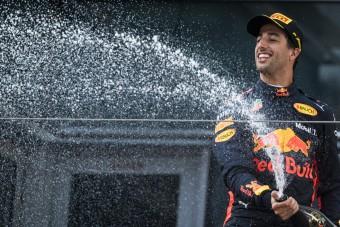 F1: Új határidőt kapott Ricciardo