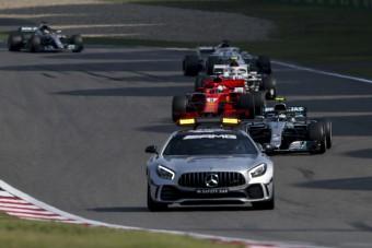 F1: Vettel szerint belenyúltak a versenybe