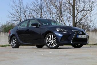 Se dízelbűz, se izgalom: Lexus IS hibrid