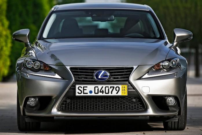 Se dízelbűz, se izgalom: Lexus IS hibrid 2