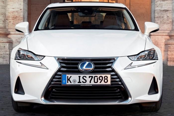 Se dízelbűz, se izgalom: Lexus IS hibrid 3