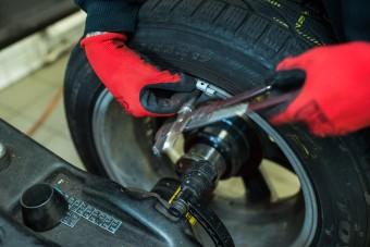Több százezer hazai autós indítja meg a rohamot áprilisban