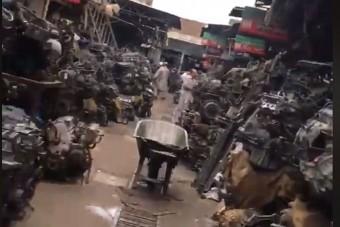 Meglepő, miket árulnak ezen a pakisztáni piacon