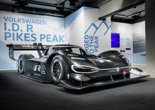Legyorsulja az F1 versenyautókat a VW új villanyautója