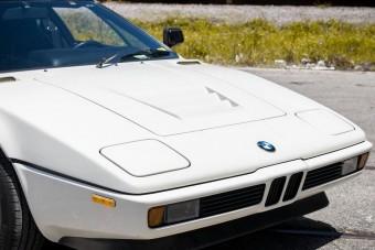 37 év után is friss ez a BMW M1-es