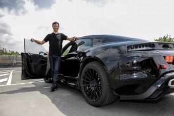 Webber meghajtotta a Porsche elektromos autóját