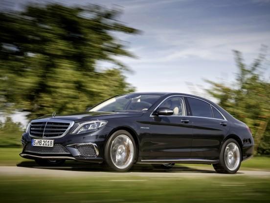Mercedes-Benz S65 AMG: Tizenkéthengeres V motor két turbófeltöltővel. Furat x löket 82,6 x 93,0 mm, lökettérfogat 5980 cm3, sűrítési arány 9,0:1, max. töltőnyomás 1,5 bar. Teljesítmény 630 LE (463 kW) 4800-5400/percnél. Forgatónyomaték 1000 Nm 2300-4300/percnél