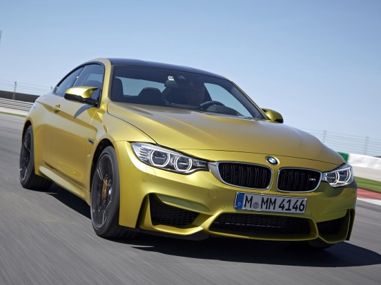 BMW M4: Soros, hathengeres motor, két turbófeltöltővel. Furat x löket 84,0 x 89,6 mm. Lökettérfogat 2979 cm3, sűrítési arány 10,2:1, max. töltőnyomás 1,3 bar. Teljesítmény 431 LE (317 kW) 5500-7300/percnél. Forgatónyomaték 550 Nm 1850-5500/percnél