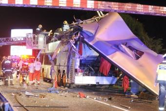 Súlyos buszbaleset történt éjjel Budapesten