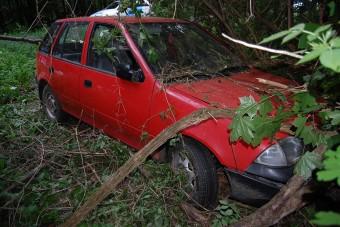 Buszozás helyett elloptak két Suzukit és összetörték