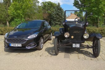 Na de mi köze Makónak a Ford T-modellhez?