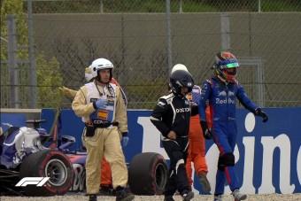 F1: Durva balesettel végződött az utolsó edzés