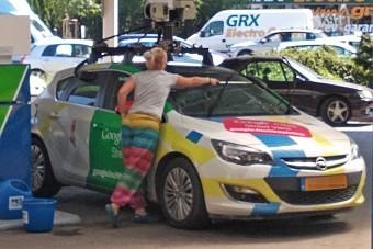 Ebből a kocsiból fotózzák most az autósokat