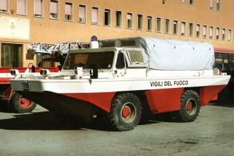 Vízben is elboldogulnak ezek a haszonjárművek
