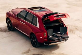 10 káprázatos fotón a Rolls-Royce terepjárója, és minden, amit csak tudni akarsz róla
