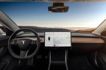Több ezer embert küld el a Tesla, zuhan a cég